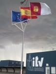 Banderas día nublado